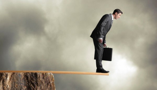 4 Vital Steps to Overcome Our Fear of Loss and Start Making Money