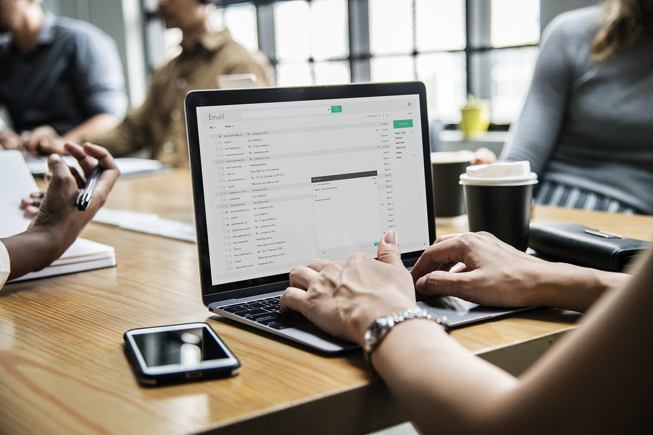 How Digitizing Documents Gives Your Business a Competitive Advantage