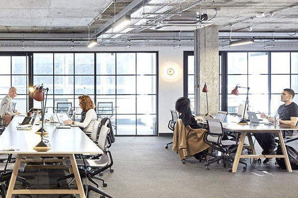 Ways to Design A Collaborative Workspace Without Team Distractions