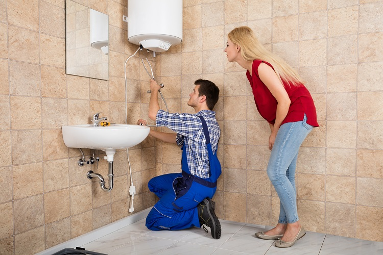 Know About The Importance Of Emergency Plumber