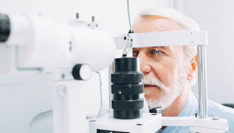 Who is an optometrist and how to choose the right specialist?
