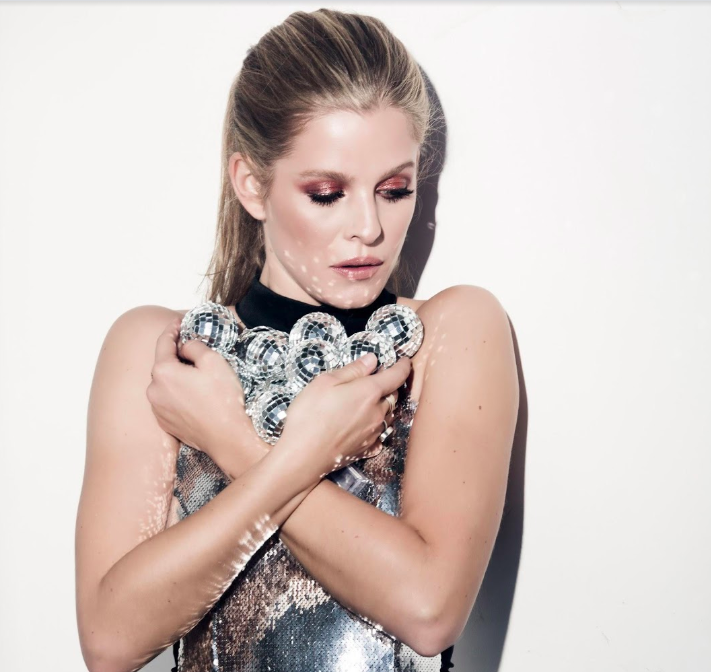 I Am Boleyn, a stuns stars in LA with mesmerizing synth-pop