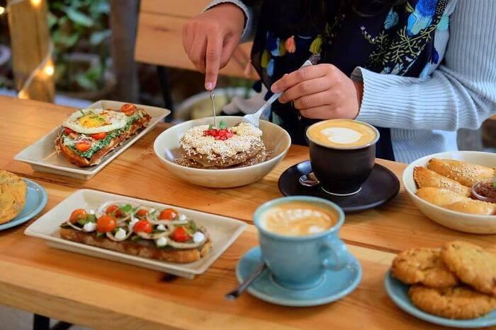 Nailing Business Breakfast Meetings