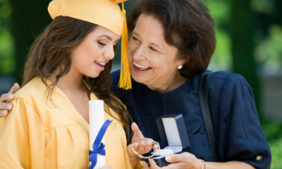 Moms! Best Gifts to Appreciate Your Recent Grad