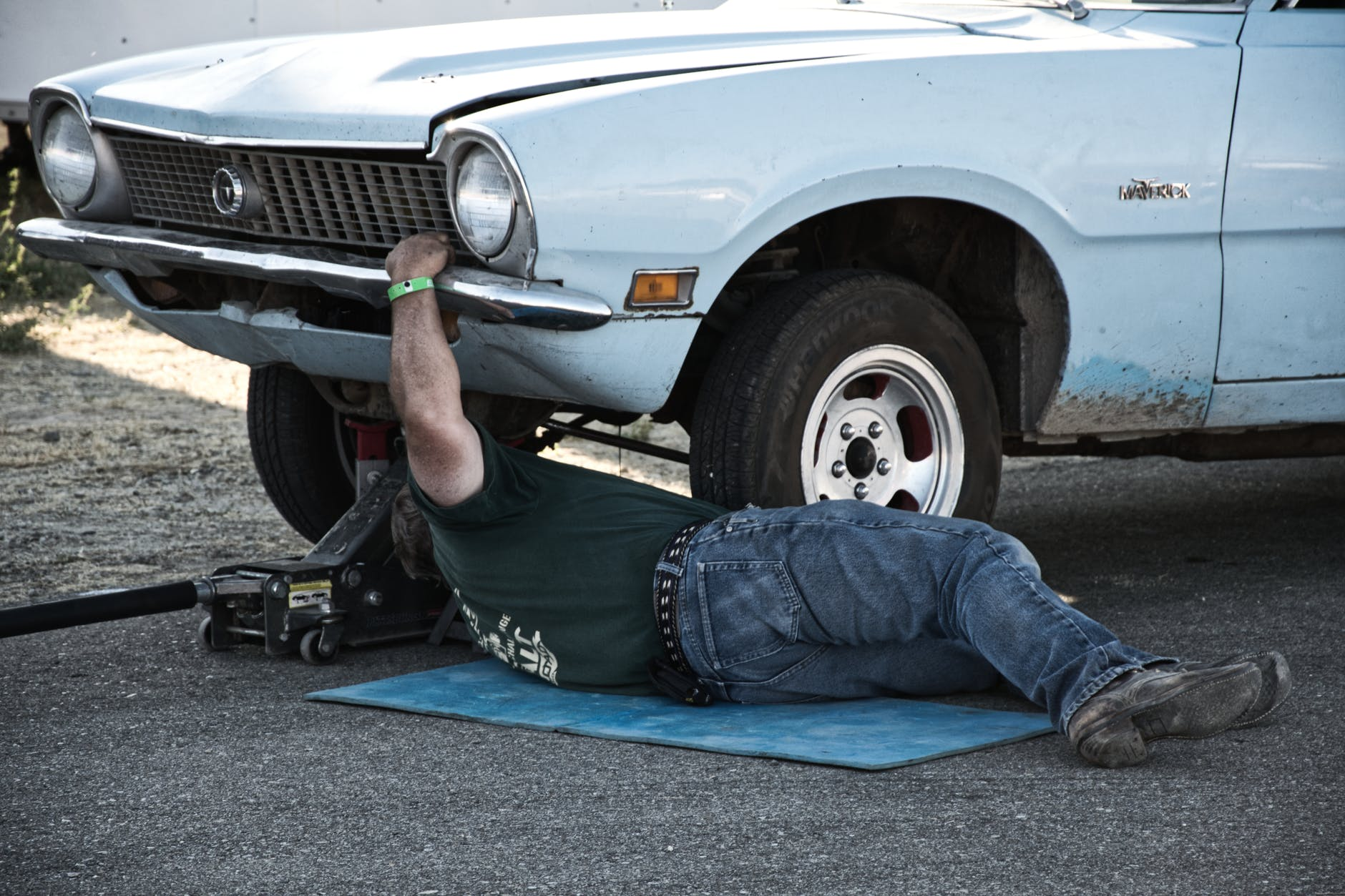 5 Career Ideas for People Who Love Cars