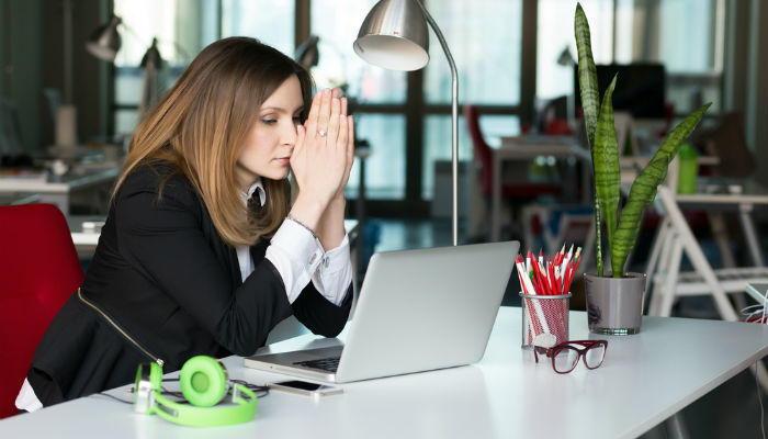 8 Problems that Make Women Lose Comfort at Workplaces