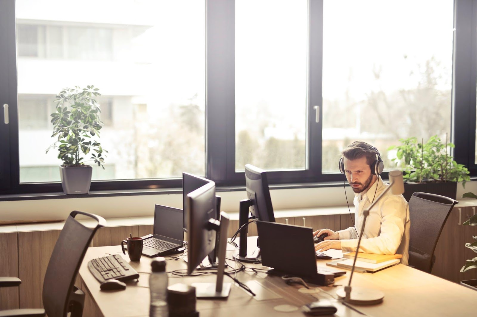 What Is A Live Answering Service And How Can It Benefit Your Business?