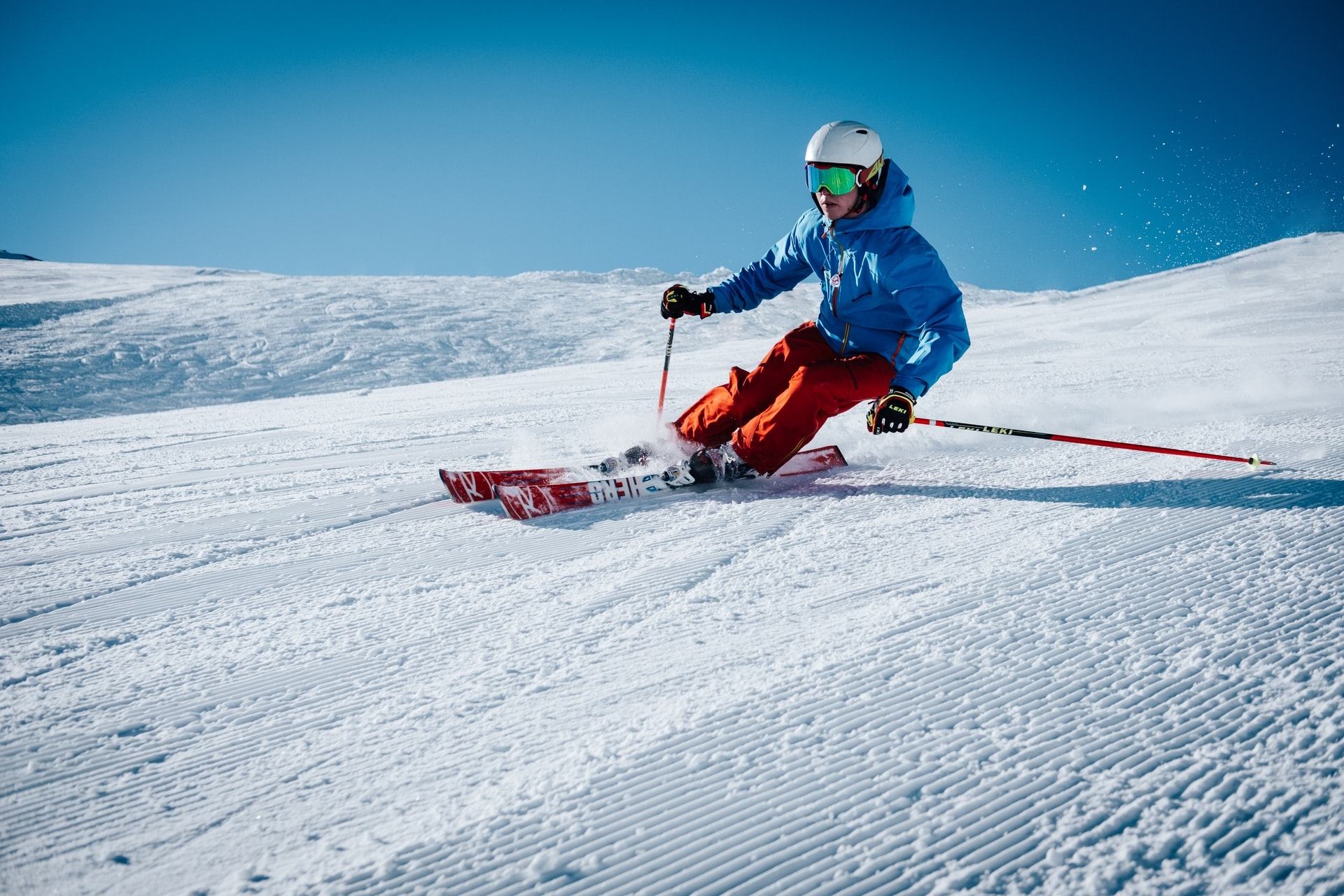 How To Remain Safe While Skiing