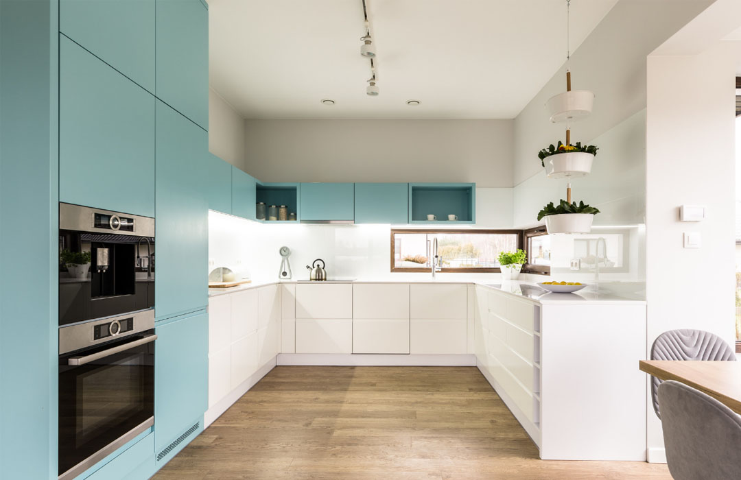 Two-Toned Cabinets: Yes or No?